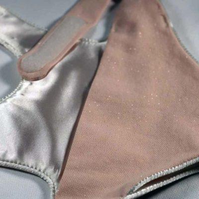 Porte-poupee-coton-satin-passepoil-fait-main-gresivaudan